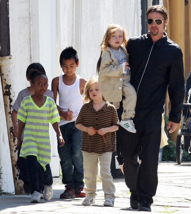 papa-guapo-sexy-dad-daddy-modaddiction-estrellas-stars-famosos-people-celebrities-celebs-actor-sport-deporte-nice-brad-pitt