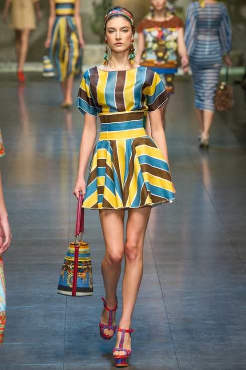 tendencia-rayas-trends-stripes-color-modaddiction-fashion-week-desfile-pasarela-runway-catwalk-brands-low-cost-marcas-moda-fashion-primavera-verano-2013-spring-summer-2013-dolce-&-gabbana-2