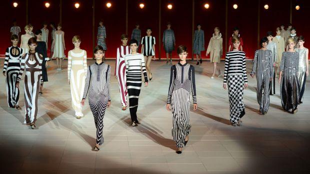 tendencia-rayas-trends-stripes-color-modaddiction-fashion-week-desfile-pasarela-runway-catwalk-brands-low-cost-marcas-moda-fashion-primavera-verano-2013-spring-summer-2013-marc-jacobs-2