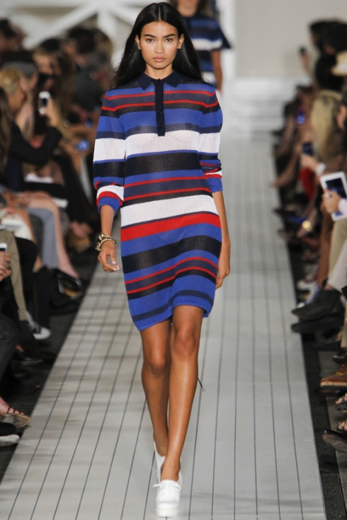 tendencia-rayas-trends-stripes-color-modaddiction-fashion-week-desfile-pasarela-runway-catwalk-brands-low-cost-marcas-moda-fashion-primavera-verano-2013-spring-summer-2013-tommy-hlfiger