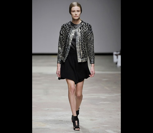 Christopher_Kane-designer-disenador-londres-london-versus-versace-modaddiction-estilo-look-style-moda-fashion-trends-tendencias-design-diseno-christopher-kane-FW-2008