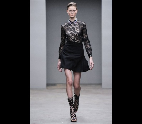 Christopher_Kane-designer-disenador-londres-london-versus-versace-modaddiction-estilo-look-style-moda-fashion-trends-tendencias-design-diseno-christopher-kane-FW-2010