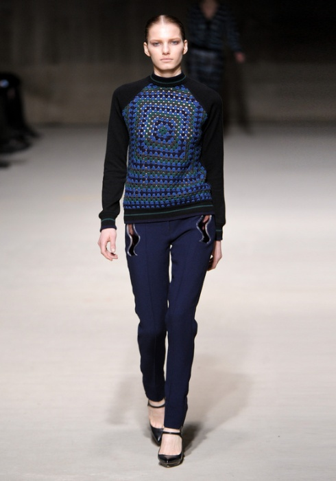 Christopher_Kane-designer-disenador-londres-london-versus-versace-modaddiction-estilo-look-style-moda-fashion-trends-tendencias-design-diseno-christopher-kane-FW-2011
