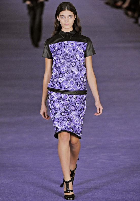 Christopher_Kane-designer-disenador-londres-london-versus-versace-modaddiction-estilo-look-style-moda-fashion-trends-tendencias-design-diseno-christopher-kane-FW-2012