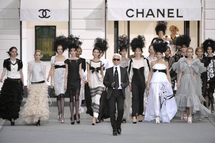 Quienes son las clientes de la alta costura modaddiction - Diseno alta costura ...