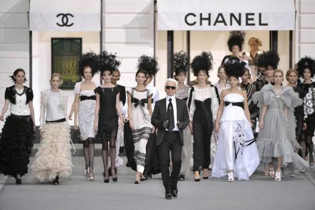 clientes-haute-couture-customers-alta-costura-taller-atelier-designer-disenador-modaddiction-design-diseno-lujo-luxe-luxury-moda-fashion-desfile-catwalk-runway-pasarela-chanel