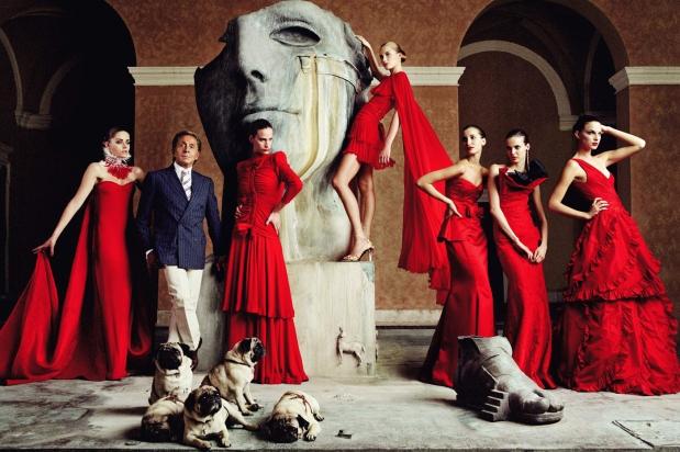 clientes-haute-couture-customers-alta-costura-taller-atelier-designer-disenador-modaddiction-design-diseno-lujo-luxe-luxury-moda-fashion-desfile-catwalk-runway-pasarela-valentino