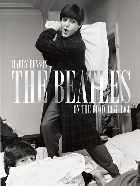 Harry-Benson-The-Beatles-On-the-Road-1964-1966-libro-book-pfotography-fotografia-modaddiction-rock-music-musica-fotografer-photographer-culture-cultura-2