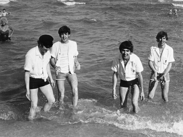 Harry-Benson-The-Beatles-On-the-Road-1964-1966-libro-book-pfotography-fotografia-modaddiction-rock-music-musica-fotografer-photographer-culture-cultura-6