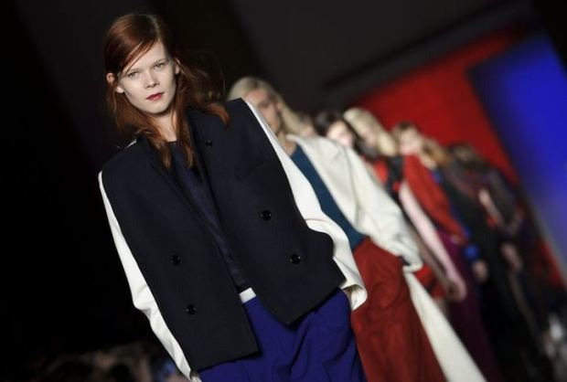 london-fashion-week-semana-moda-londres-modaddiction-trends-tendencias-estilo-style-look-design-diseno-pasarela-desfile-runway-catwalk-12
