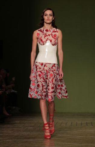 london-fashion-week-semana-moda-londres-modaddiction-trends-tendencias-estilo-style-look-design-diseno-pasarela-desfile-runway-catwalk-15