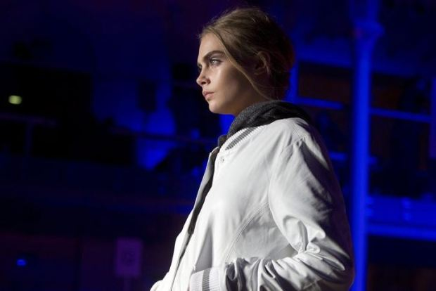 london-fashion-week-semana-moda-londres-modaddiction-trends-tendencias-estilo-style-look-design-diseno-pasarela-desfile-runway-catwalk-9