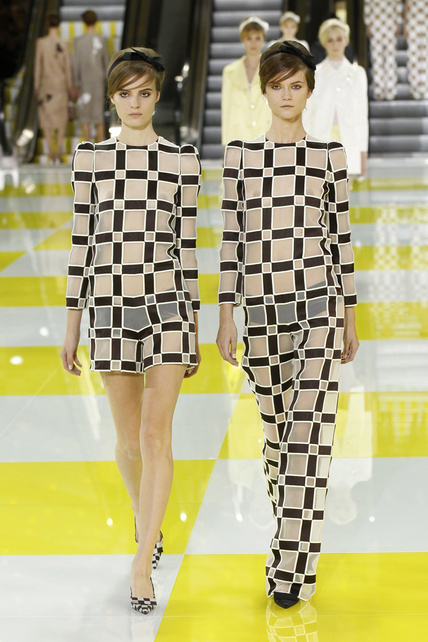 louis-vuitton-primavera-verano-2013-spring-summer-2013-coleccion-collection-modaddiction-estilo-looks-people-estrellas-celebrities-marc-jacobs-moda-fashion-Hailee-Steinfeld-1