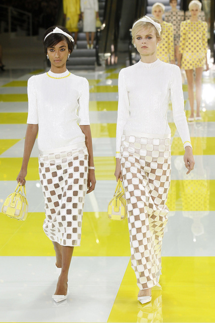louis-vuitton-primavera-verano-2013-spring-summer-2013-coleccion-collection-modaddiction-estilo-looks-people-estrellas-celebrities-marc-jacobs-moda-fashion-tendencia-Isabeli-Fontana-2