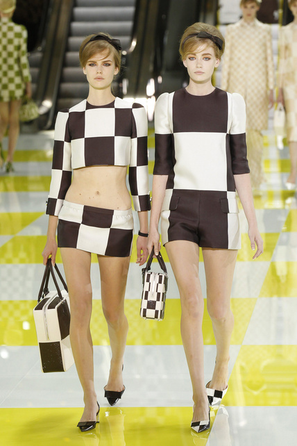louis-vuitton-primavera-verano-2013-spring-summer-2013-coleccion-collection-modaddiction-estilo-looks-people-estrellas-celebrities-marc-jacobs-moda-fashion-tendencia-Kristen-Stewart-2
