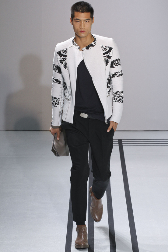 moda-hombre-tendencias-primavera-verano-2013-fashion-man-menswear-trends-spring-summer-2013-modaddiction-color-estilo-style-must-have-chic-casual-colour-3.1_phillip-lim