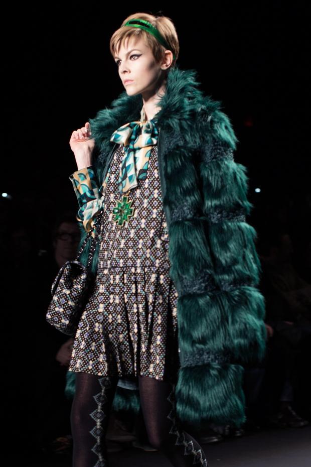 new-york-versus-europe-nueva-york-europa-paris-modaddiction-fashion-week-semana-moda-desile-pasarela-runway-catwalk-trends-tendencias-disenador-designer-lujo-luxury-anna-sui