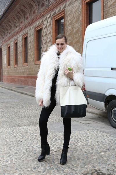 street-style-fashion-week-milan-semana-moda-calle-street-look-italia-modaddiction-estilo-style-bloggeras-revistas-magazine-moda-fashion-trends-tendencias-catwalk-pasarela-12