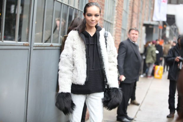 Street-style-NYFW-street-looks-new-york-fashion-week-nueva-york-semana-moda-calle-modaddiction-look-estilo-style-moda-fashion-trends-tendencias-13