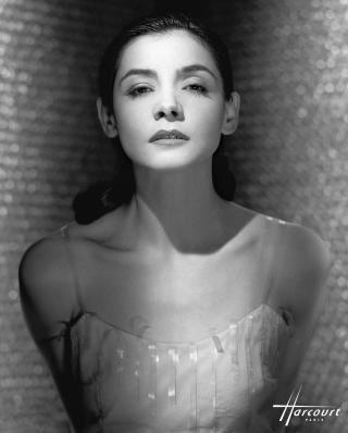 studio-harcourt-photography-fotografia-artista-artist-moda-fashion-cine-cinema-music-musica-moda-fashion-art-arte-francia-france-people-estrellas-famosos-clothilde-coureau