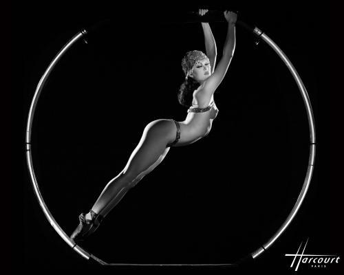 studio-harcourt-photography-fotografia-artista-artist-moda-fashion-cine-cinema-music-musica-moda-fashion-art-arte-francia-france-people-estrellas-famosos-crazy-horse
