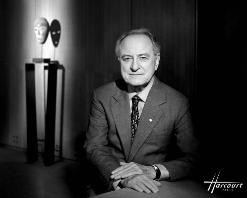 studio-harcourt-photography-fotografia-artista-artist-moda-fashion-cine-cinema-music-musica-moda-fashion-art-arte-francia-france-people-estrellas-famosos-pierre-bergé