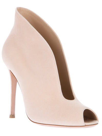 tendencia-pastel-colores-colours-pastel-trends-farfetch.com-modaddiction-mujer-woman-hombre-man-moda-fashion-primavera-verano-2013-spring-summer-2013-gianvito-rossi