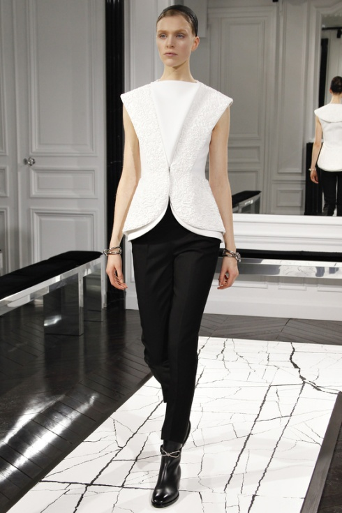 balenciaga-paris-fashion-week-alexander-wang-semana-moda-otono-invierno-2013-fall-autumn-winter-2013-modaddiction-cristobal-balenciaga-desfile-runway-catwalk-pasarela-trends-tendencias-6