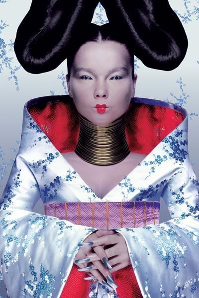 björk-estilo-stylelook-vanguardista-cantante-singer-music-musica-modaddiction-culture-cultura-fotografia-photography-diseno-design-moda-fashion-trends-tendencias-12