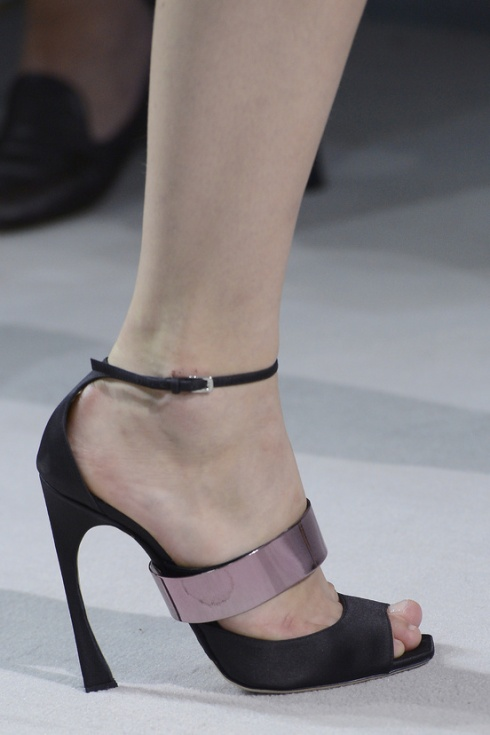 calzado-shoes-footwear-zapatos-primavera-verano-2013-spring-summer-2013-modaddiction-pasarela-fashion-week-runway-moda-fashion-sandals-sandalias-christian-dior