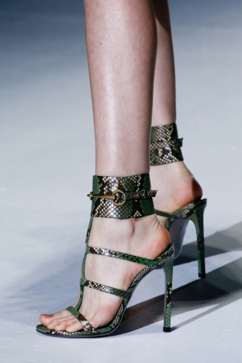 calzado-shoes-footwear-zapatos-primavera-verano-2013-spring-summer-2013-modaddiction-pasarela-fashion-week-runway-moda-fashion-sandals-sandalias-gucci