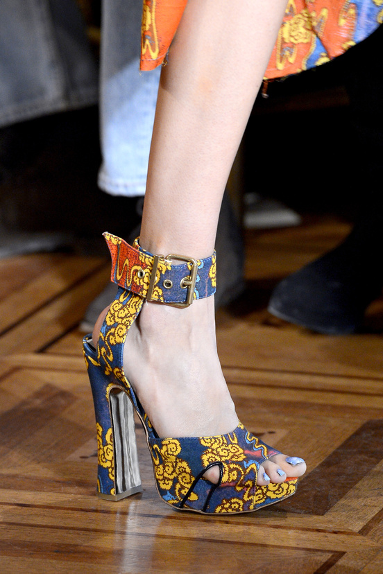 calzado-shoes-footwear-zapatos-primavera-verano-2013-spring-summer-2013-modaddiction-pasarela-fashion-week-runway-moda-fashion-sandals-sandalias-vivienne-westwood