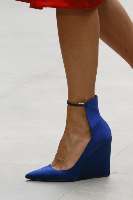 calzado-shoes-footwear-zapatos-primavera-verano-2013-spring-summer-2013-modaddiction-pasarela-fashion-week-runway-moda-fashion-tendencias-cunas-burberry-prorsum