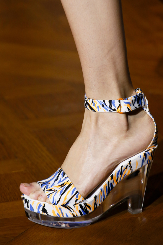 calzado-shoes-footwear-zapatos-primavera-verano-2013-spring-summer-2013-modaddiction-pasarela-fashion-week-runway-moda-fashion-tendencias-cunas-stella-mccartney