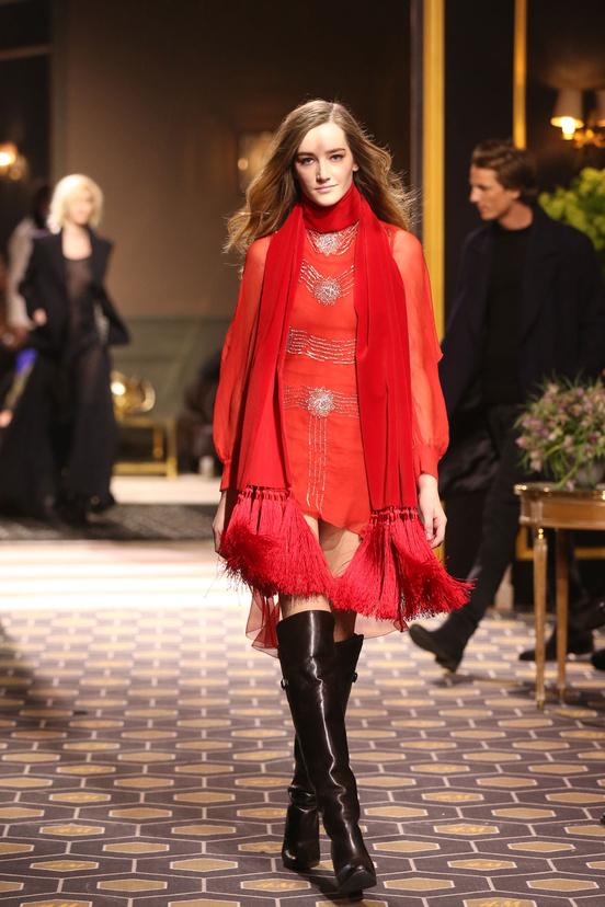 H&M-hm-paris-fashion-week-semana-moda-paris-desfile-runway-modaddiction-low-cost-fast-fashion-trends-tendencias-estilo-look-style-chic-cool-glamour-show-pasarela-15