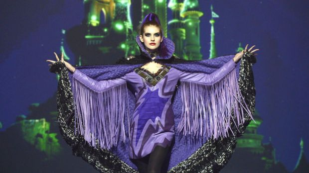 moda-disney-fashion-disneyland-paris-disenador-designer-diseno-design-modaddiction-desfile-runway-trends-tendencias-cine-cinema-custo-barcelona-dalmau-malefica