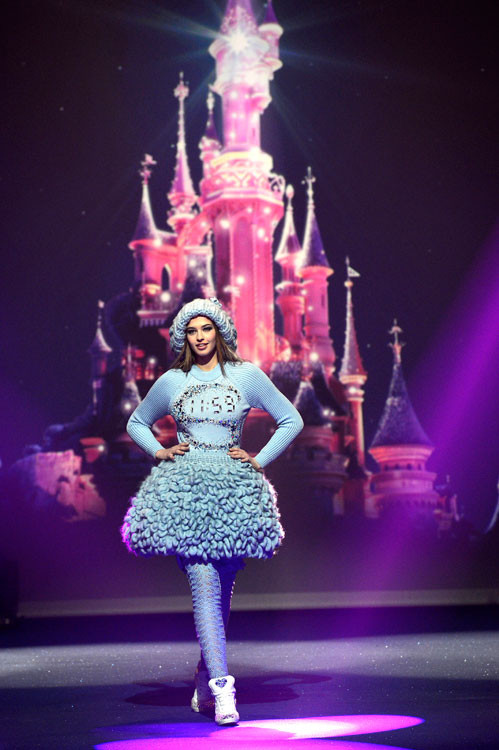 moda-disney-fashion-disneyland-paris-disenador-designer-diseno-design-modaddiction-desfile-runway-trends-tendencias-cine-cinema-Luisa-Beccaria-Bella-Durmiente
