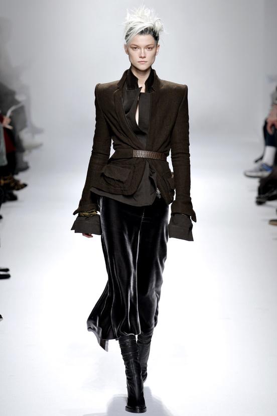 paris-fashion-week-35-siluestas-mejores-estilos-best-looks-paris-semana-moda-modaddiction-desfile-pasarela-runway-catwalk-trends-tendencias-style-luje-luxe-haider-ackermann