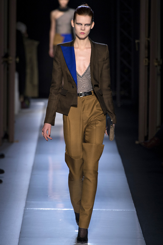 paris-fashion-week-35-siluestas-mejores-estilos-best-looks-paris-semana-moda-modaddiction-desfile-pasarela-runway-catwalk-trends-tendencias-style-luje-luxe-roland-mouret