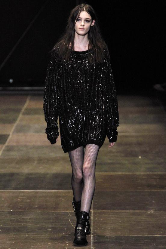paris-fashion-week-35-siluestas-mejores-estilos-best-looks-paris-semana-moda-modaddiction-desfile-pasarela-runway-catwalk-trends-tendencias-style-luje-luxe-saint-laurent