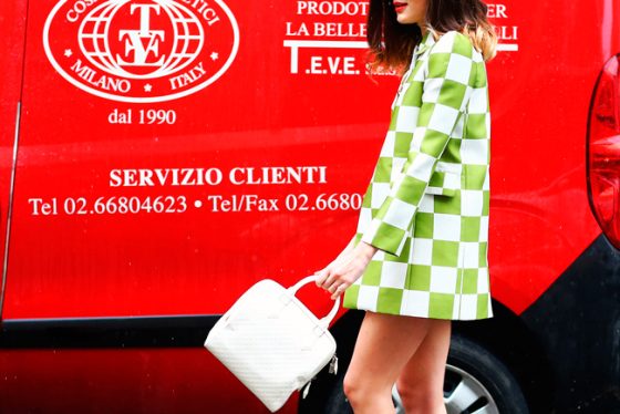 street-style-milan-fashion-week-accesorios-accessories-complementos-semana-moda-modaddiction-handbag-bag-bolso-footwear-calzado-shoes-zapatos-calle-look-estilo-5
