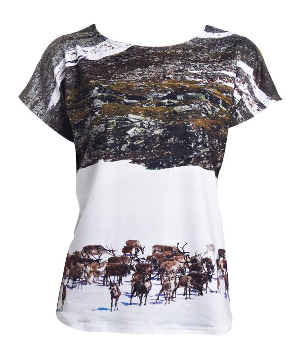 tendencias-surrealista-trends-arty-fotografia-photography-modaddiction-camiseta-t-shirt-camisa-shirt-jeans-moda-fashion-hipster-look-estilo-style-clover-canyon-1