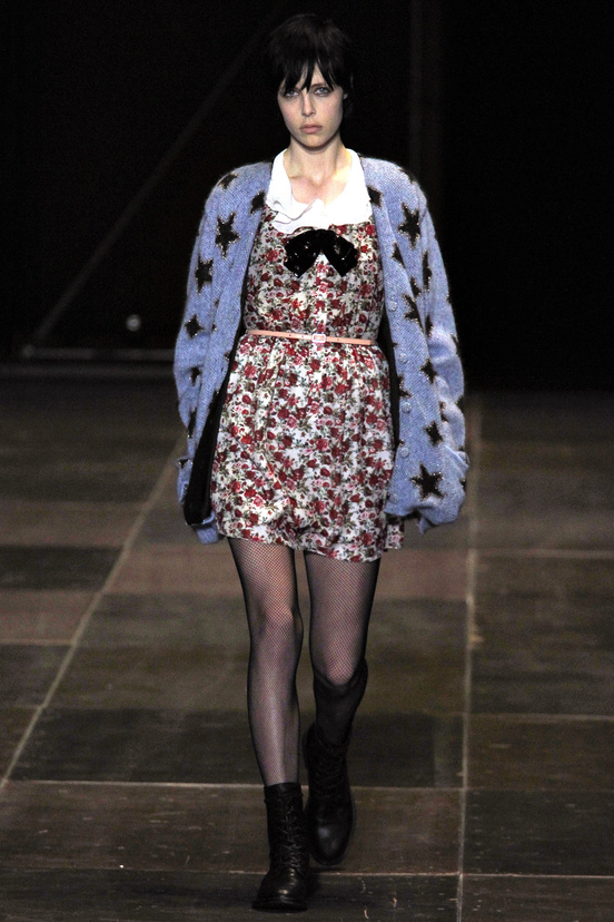 yves-saint-laurent-hedi-slimane-paris-fashion-week-otono-invierno-2013-2014-fall-winter-2013-2014-semana-moda-modaddiction-topshop-prensa-press-grunge-desfile-runway-criticas-1