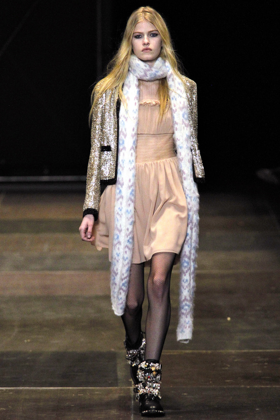 yves-saint-laurent-hedi-slimane-paris-fashion-week-otono-invierno-2013-2014-fall-winter-2013-2014-semana-moda-modaddiction-topshop-prensa-press-grunge-desfile-runway-criticas-5