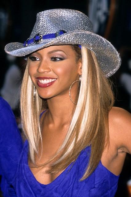 beyoncé-knowles-hair-style-estilo-cabello-peindo-pelo-look-modaddiction-destiny's-child-moda-fashion-glamour-trends-tendencias-people-star-famosa-mucis-musica-1