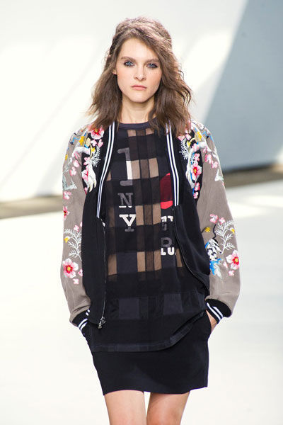 bomber-cazadora-abrigo-coat-primavera-verano-2013-spring-summer-2013-mujer-woman-modaddiction-militar-army-moda-fashion-trends-tendencias-modelos-3.1-phillip-lim