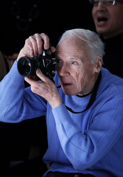 estilo-famosos-style-people-celebs-estrellas-stars-celebrities-modaddiction-chic-casual-moda-fashion-look-cine-cinema-cantante-actor-Bill Cunningham