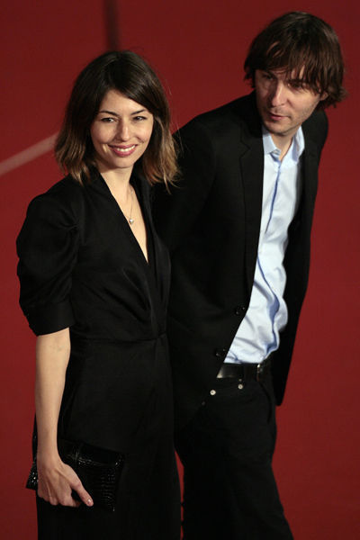 estilo-famosos-style-people-celebs-estrellas-stars-celebrities-modaddiction-chic-casual-moda-fashion-look-cine-cinema-cantante-actor-Sofia Coppola-Thomas Mars