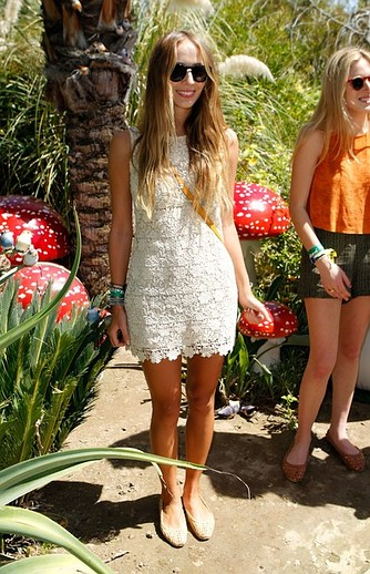 festival-coachella-2013-california-music-musica-moda-fashion-modaddiction-hipster-style-estilo-look-rock-chic-gypsy-people-famosas-look-street-style-dj-harley-viera-newton