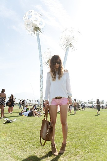 festival-coachella-2013-california-music-musica-moda-fashion-modaddiction-hipster-style-estilo-look-rock-chic-gypsy-people-famosas-look-street-style-rumi-neely-blogger